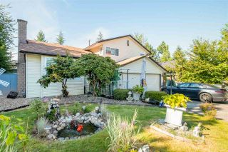 """Photo 1: 15667 101 Avenue in Surrey: Guildford House for sale in """"Somerset"""" (North Surrey)  : MLS®# R2481951"""