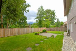 """Photo 3: 2583 PASSAGE Drive in Coquitlam: Ranch Park House for sale in """"RANCH PARK"""" : MLS®# R2278316"""