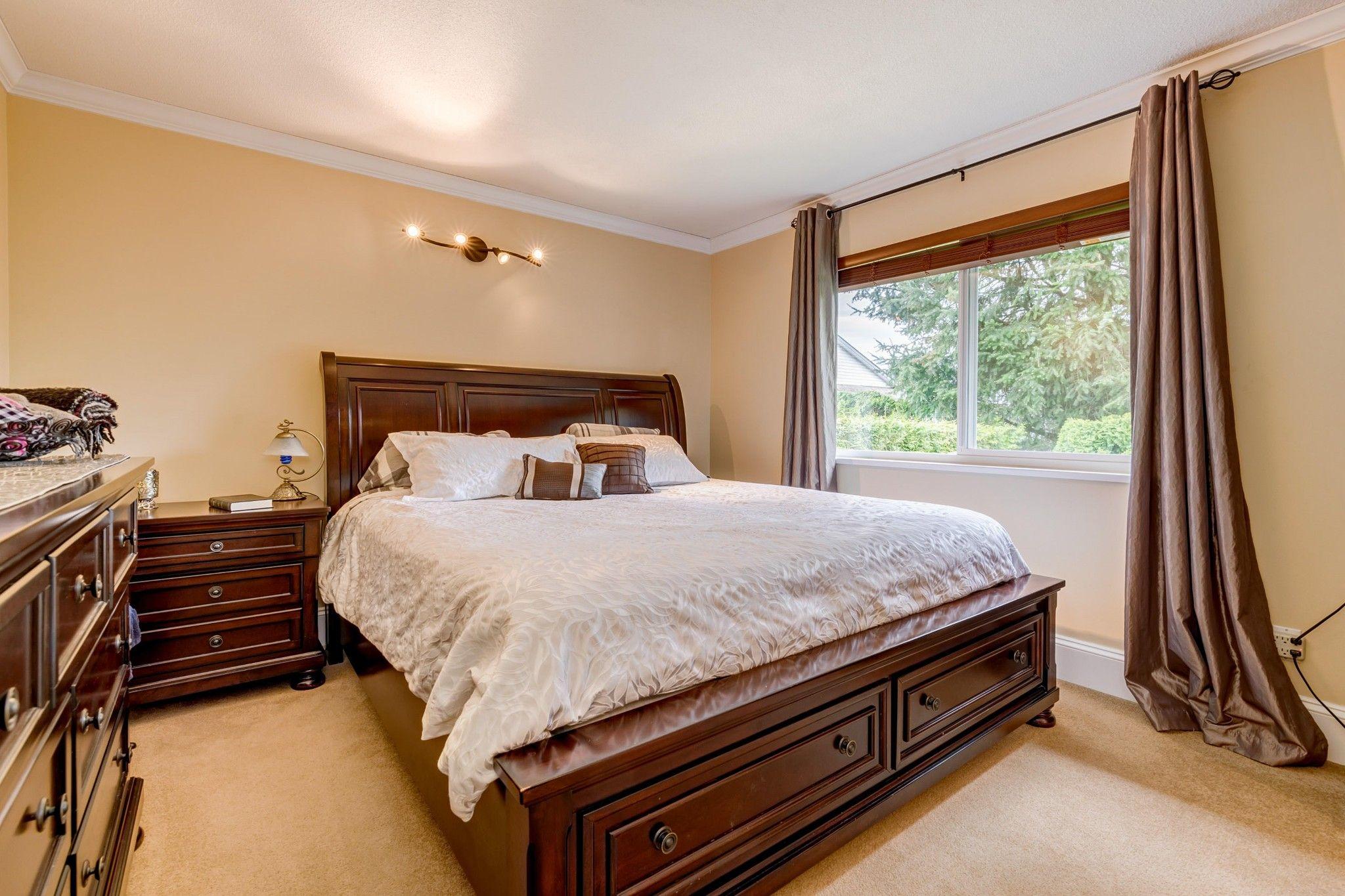 Photo 9: Photos:  in : Southwest Maple Ridge House for sale (Maple Ridge)  : MLS®# R2455980