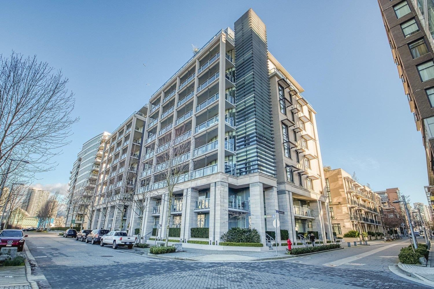 Main Photo: 310 1616 COLUMBIA Street in Vancouver: False Creek Condo for sale (Vancouver West)  : MLS®# R2615795