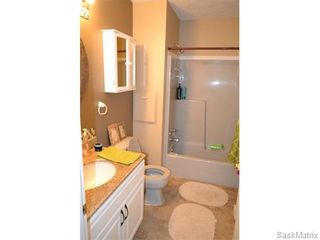 Photo 9: 2435 Kenderdine Road in Saskatoon: Erindale Single Family Dwelling for sale (Saskatoon Area 01)  : MLS®# 565240