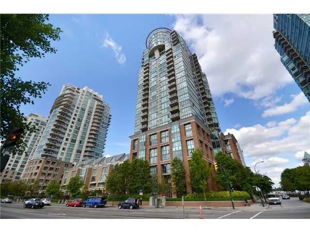 Main Photo: 405 1088 QUEBEC STREET in : Downtown VE Condo for sale : MLS®# R2055797