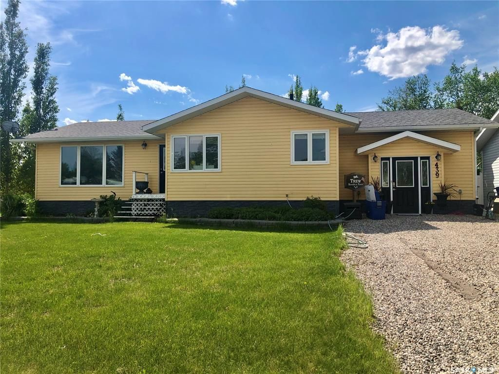 Main Photo: 439 4th Street West in Carrot River: Residential for sale : MLS®# SK841483