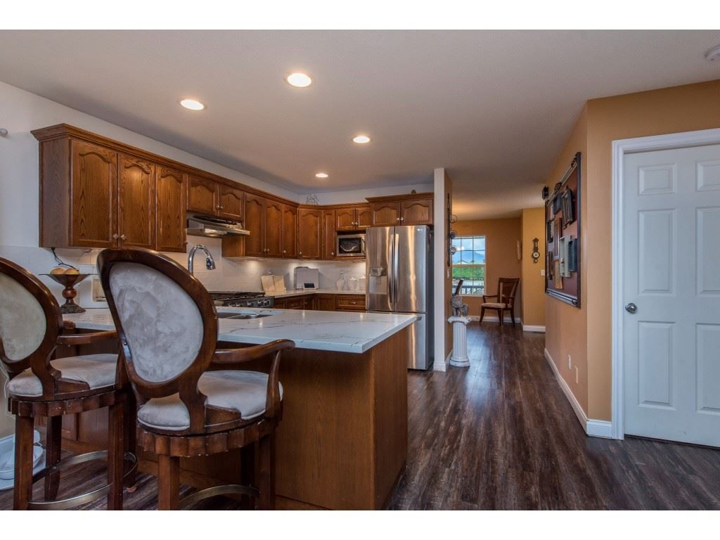 "Photo 11: Photos: 9 45306 BALMORAL Avenue in Sardis: Sardis West Vedder Rd House for sale in ""BALMORAL PARK ESTATES"" : MLS®# R2518450"