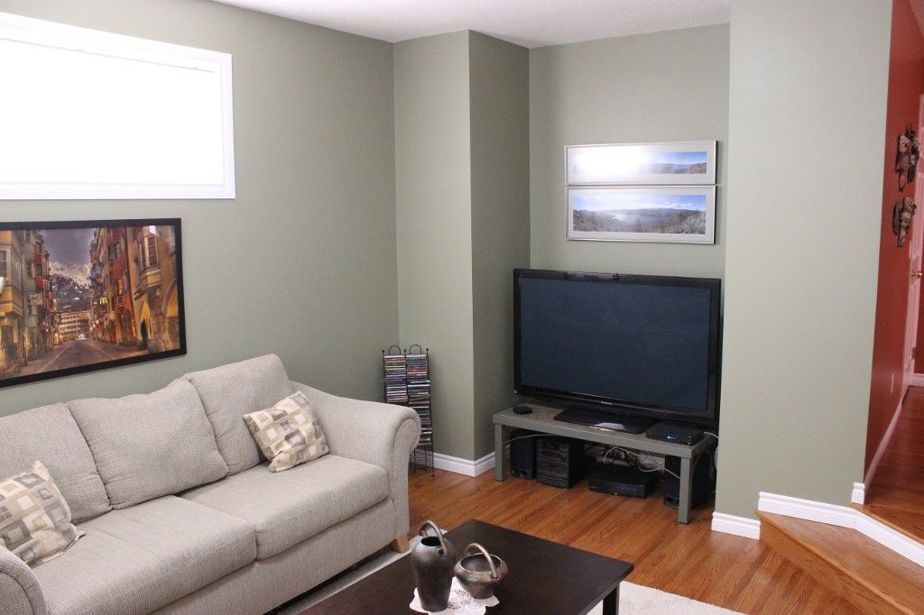 Photo 2: Photos: 1523 Robinson Crescent in Kamloops: South Kamloops House for sale : MLS®# 128448
