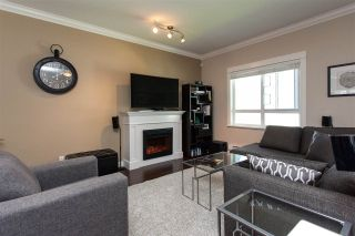 """Photo 2: 25 1130 EWEN Avenue in New Westminster: Queensborough Townhouse for sale in """"GLADSTONE PARK"""" : MLS®# R2192209"""