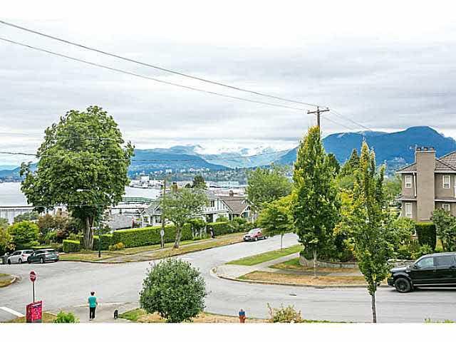 "Main Photo: 3606 ETON Street in Vancouver: Hastings East House for sale in ""HASTINGS EAST/VANCOUVER HEIGHTS"" (Vancouver East)  : MLS®# V1140704"