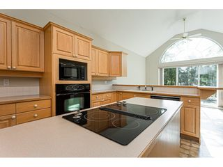 """Photo 8: 18 4001 OLD CLAYBURN Road in Abbotsford: Abbotsford East Townhouse for sale in """"Cedar Springs"""" : MLS®# R2469026"""