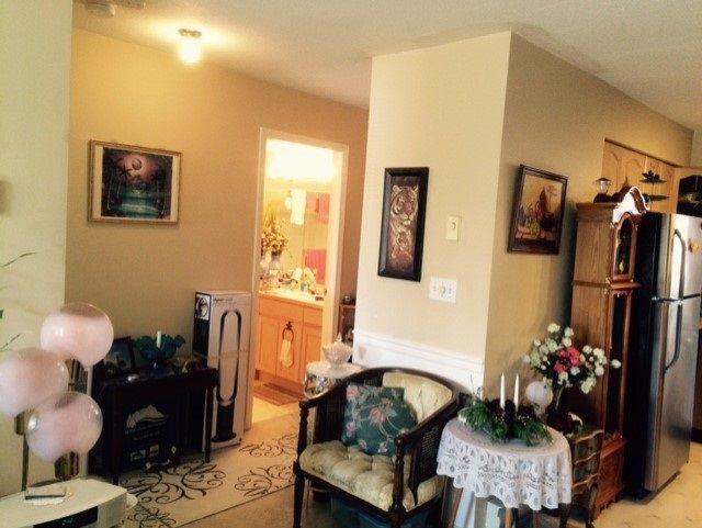 """Photo 2: Photos: 203 12025 207A Street in Maple Ridge: Northwest Maple Ridge Condo for sale in """"THE ATRIUM"""" : MLS®# R2145311"""