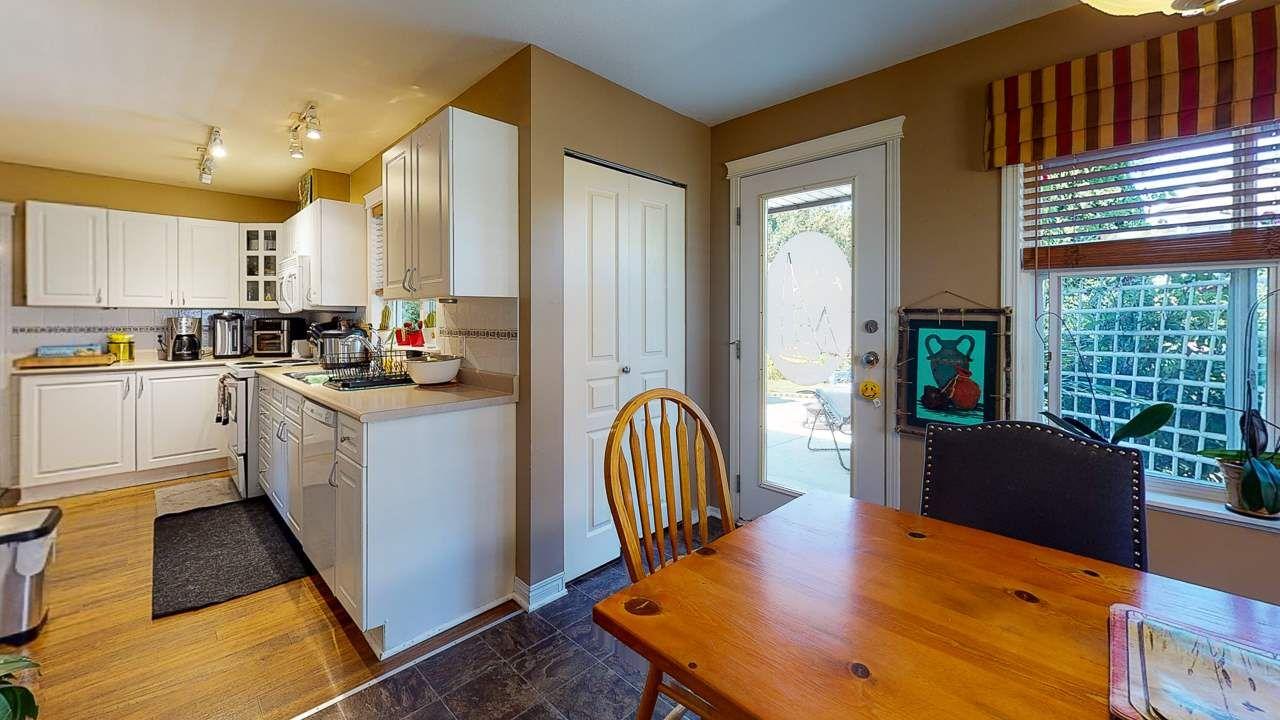 Photo 7: Photos: 5682 CASCADE Crescent in Sechelt: Sechelt District House for sale (Sunshine Coast)  : MLS®# R2488807