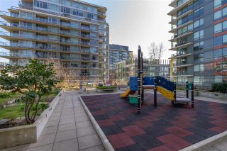 "Photo 25: 1008 1708 COLUMBIA Street in Vancouver: False Creek Condo for sale in ""Wall Centre- False Creek"" (Vancouver West)  : MLS®# R2560917"