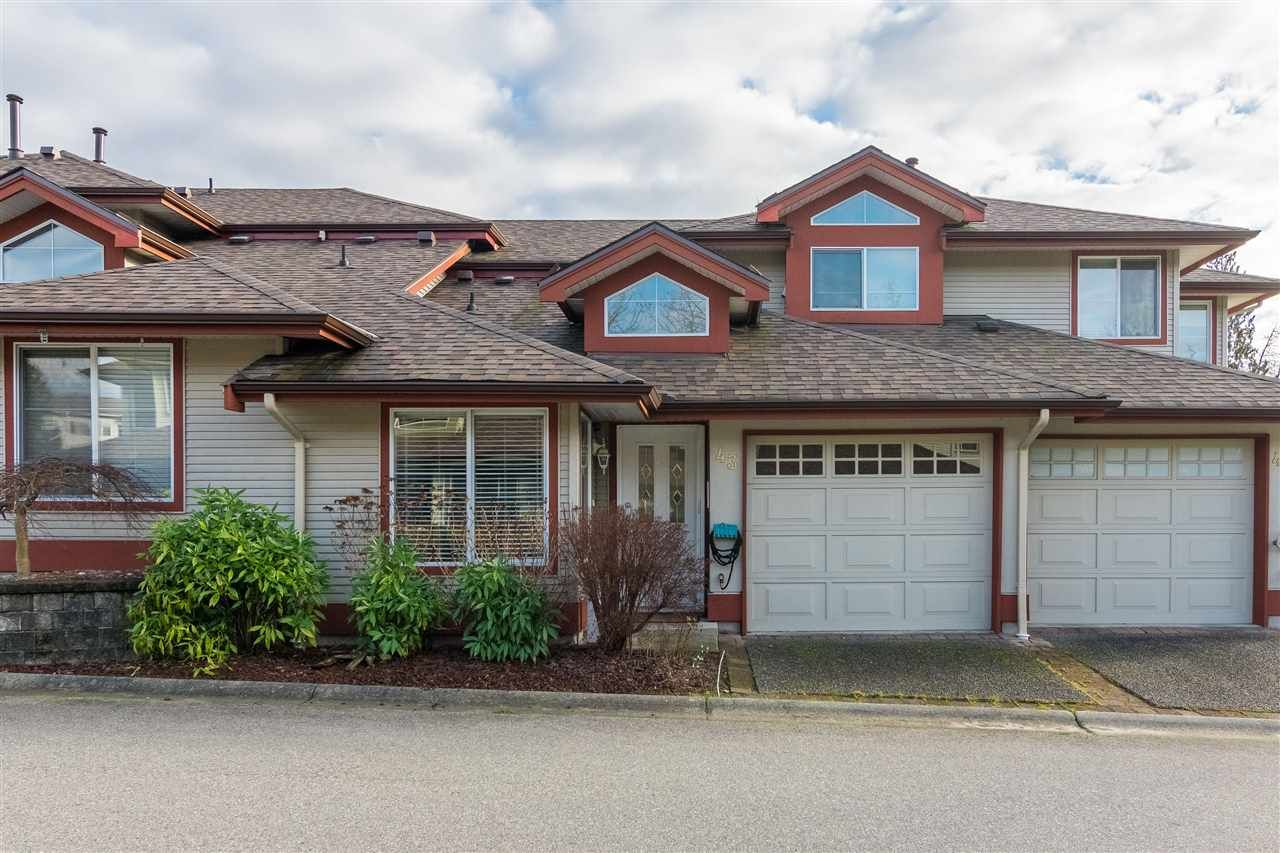 """Main Photo: 43 22740 116 Avenue in Maple Ridge: East Central Townhouse for sale in """"Fraser Glen"""" : MLS®# R2334439"""