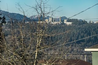 "Photo 37: 8727 CREST Drive in Burnaby: The Crest House for sale in ""Cariboo-Cumberland"" (Burnaby East)  : MLS®# R2422475"