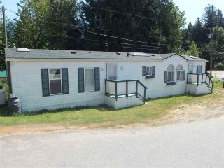 Photo 2: 8 22885 TRANS CANADA Highway in Hope: Hope Center Manufactured Home for sale : MLS®# R2482859