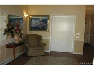 Photo 3: SIDNEY REAL ESTATE = SIDNEY CONDO SOLD With Ann Watley. Call (250) 656-0131