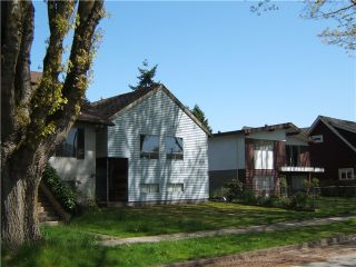 "Photo 3: 945 E 21ST Avenue in Vancouver: Fraser VE House for sale in ""FRASER"" (Vancouver East)  : MLS®# V889920"
