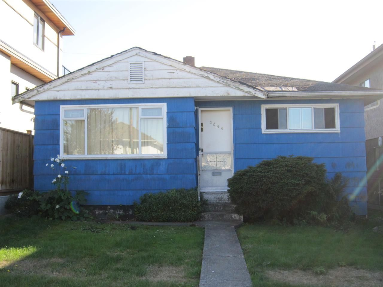 Main Photo: 3244 E 26TH Avenue in Vancouver: Renfrew Heights House for sale (Vancouver East)  : MLS®# R2211928