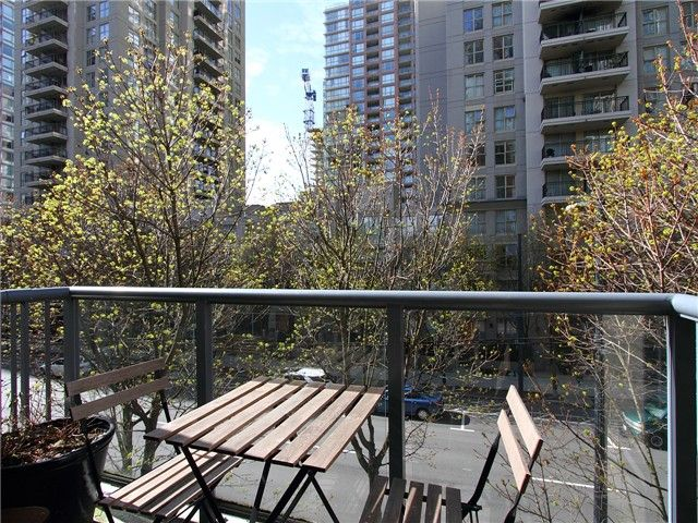 Photo 7: Photos: # 310 928 RICHARDS ST in Vancouver: Yaletown Condo for sale (Vancouver West)  : MLS®# V1057838