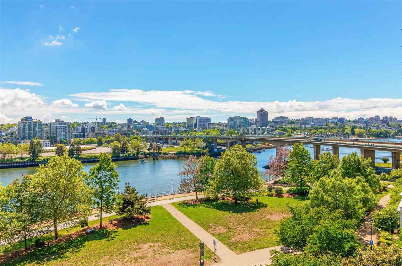 Main Photo: 806 918 COOPERAGE WAY in Vancouver: Yaletown Condo for sale (Vancouver West)  : MLS®# R2589015