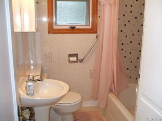 Photo 11: 426 Louis Riel Street in WINNIPEG: St Boniface Residential for sale (South East Winnipeg)  : MLS®# 1319988