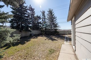 Photo 17: 301 108th Street West in Saskatoon: Sutherland Residential for sale : MLS®# SK850683
