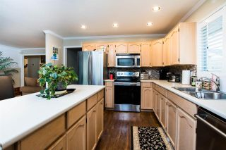 Photo 7: 17195 57 Avenue in Surrey: Cloverdale BC House for sale (Cloverdale)  : MLS®# R2553545