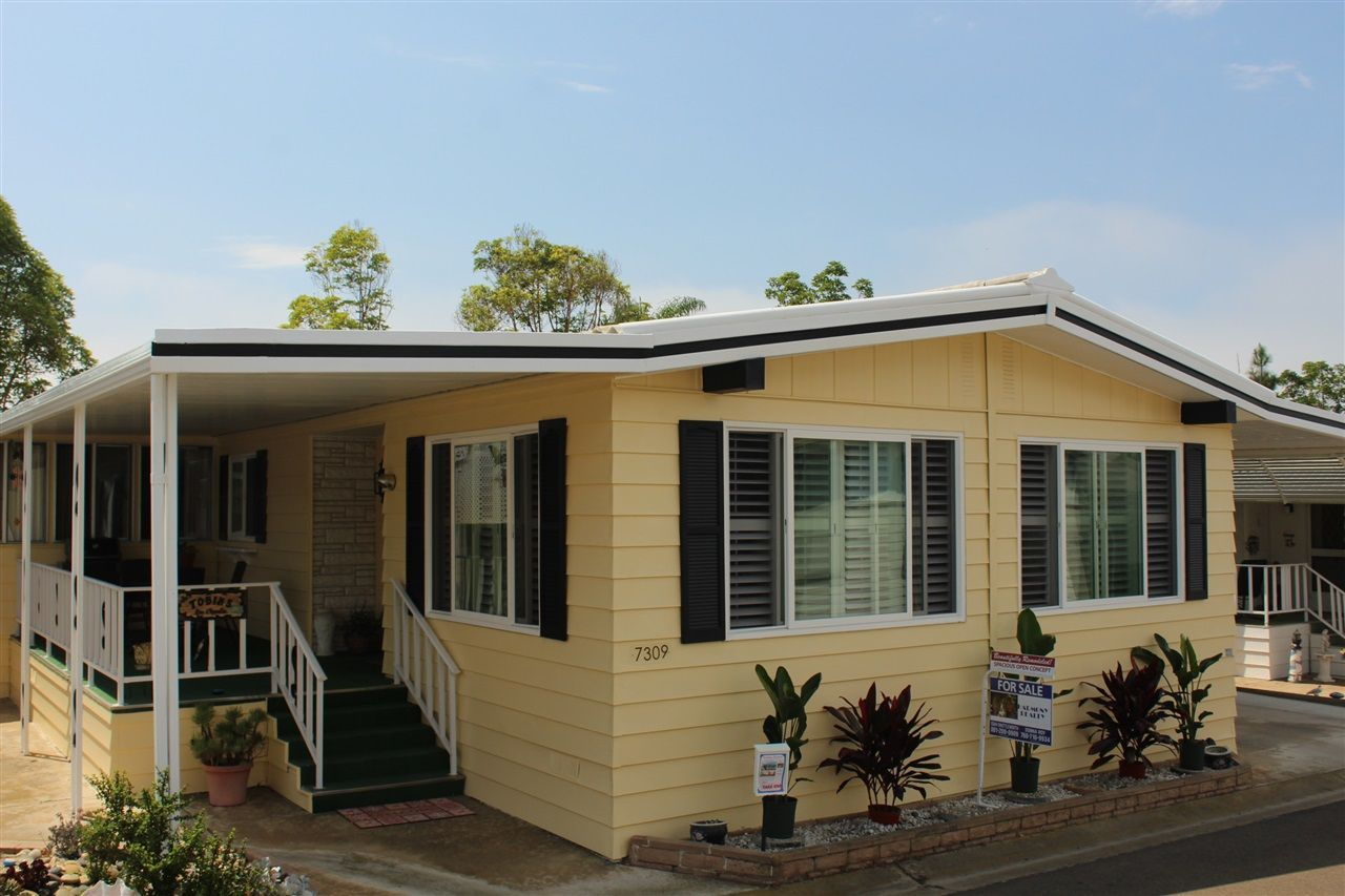Main Photo: CARLSBAD SOUTH Manufactured Home for sale : 2 bedrooms : 7309 San Luis #238 in Carlsbad