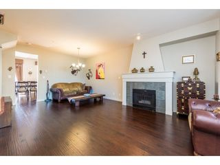 Photo 4: 7123 MONT ROYAL SQUARE in Vancouver: Champlain Heights Townhouse for sale (Vancouver East)  : MLS®# R2350101