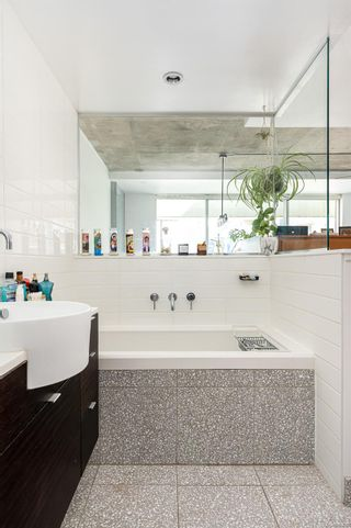 Photo 14: 439 770 Fisgard St in Victoria: Vi Downtown Condo for sale : MLS®# 886610