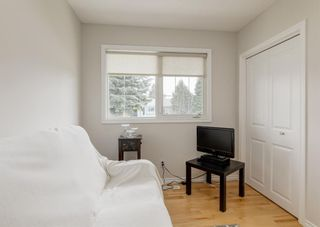 Photo 13: 32 Maple Court Crescent SE in Calgary: Maple Ridge Detached for sale : MLS®# A1109090