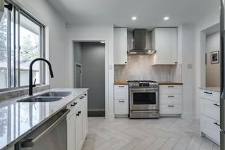 Photo 8: 40 Grafton Drive SW in Calgary: Glamorgan Detached for sale : MLS®# A1131092
