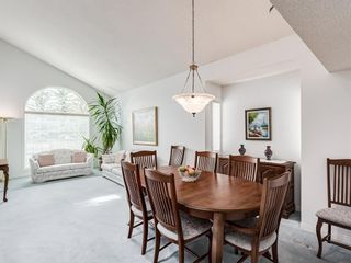 Photo 9: 54 Signature Close SW in Calgary: Signal Hill Detached for sale : MLS®# A1124573
