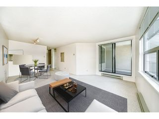 """Photo 4: 312 1350 COMOX Street in Vancouver: West End VW Condo for sale in """"BROUGHTON TERRACE"""" (Vancouver West)  : MLS®# R2505965"""
