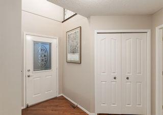Photo 2: 85 DOUGLASVIEW Rise SE in Calgary: Douglasdale/Glen Detached for sale : MLS®# A1098776