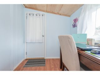 """Photo 17: 14 20071 24 Avenue in Langley: Brookswood Langley Manufactured Home for sale in """"Fernridge Park"""" : MLS®# R2562399"""
