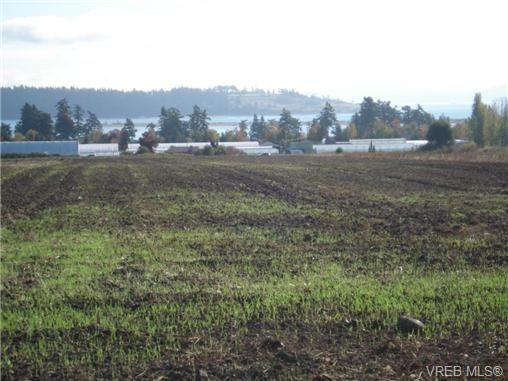 Main Photo: Parcel A Mt. Newton Cross Rd in SAANICHTON: CS Saanichton Land for sale (Central Saanich)  : MLS®# 713090