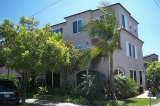 Photo 1: PACIFIC BEACH Townhouse for sale : 2 bedrooms : 1605 Emerald in San Diego