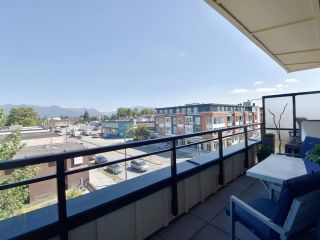 "Photo 16: PH1 688 E 17TH Avenue in Vancouver: Fraser VE Condo for sale in ""MONDELLA"" (Vancouver East)  : MLS®# R2193271"