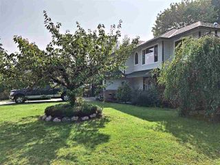 "Photo 3: 12067 248A Street in Maple Ridge: Websters Corners House for sale in ""WEBSTERS CORNER"" : MLS®# R2498431"