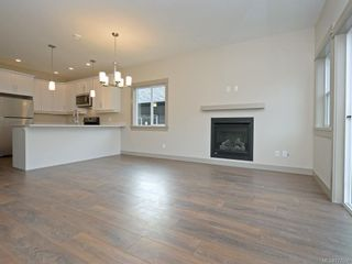 Photo 5: 13 Massey Pl in View Royal: VR Six Mile Row/Townhouse for sale : MLS®# 777606