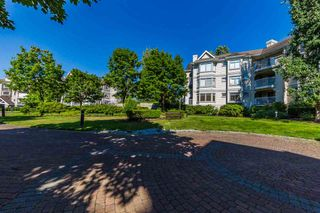 Photo 3: 121 20894 57 Avenue in Langley: Langley City Condo for sale : MLS®# R2302015