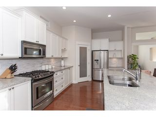 """Photo 7: 20141 68A Avenue in Langley: Willoughby Heights House for sale in """"Woodbridge"""" : MLS®# R2354583"""