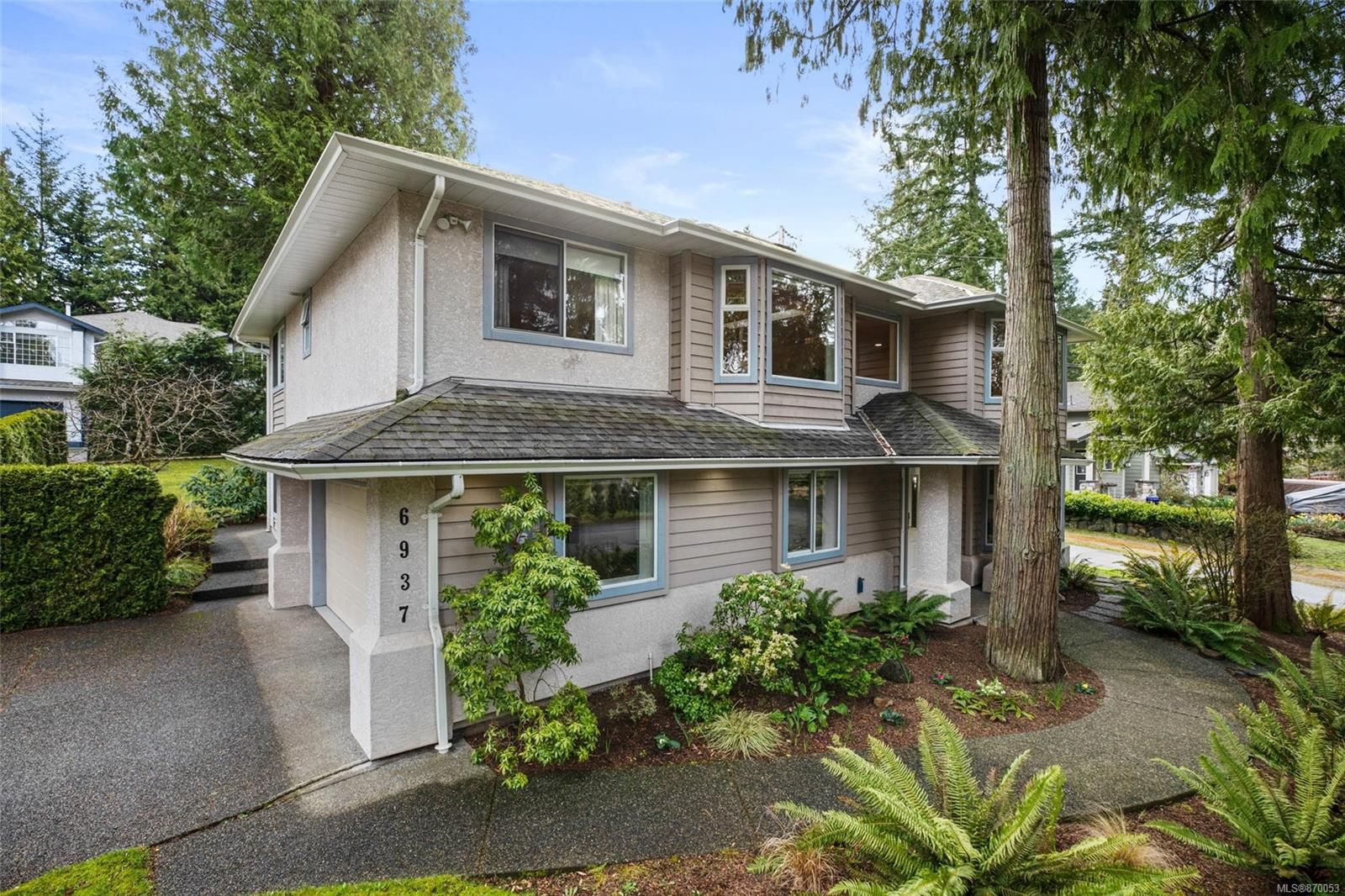 Main Photo: 6937 Hagan Rd in Central Saanich: CS Brentwood Bay House for sale : MLS®# 870053