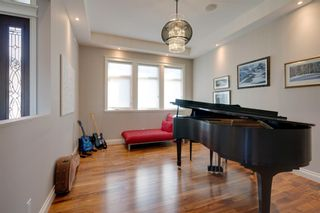 Photo 19: 2533 77 Street SW in Calgary: Springbank Hill Detached for sale : MLS®# A1065693