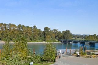 """Photo 13: 305 23285 BILLY BROWN Road in Langley: Fort Langley Condo for sale in """"The Village at Bedford Landing"""" : MLS®# R2211106"""
