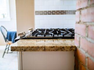 Photo 4: 9207 91 Street in Edmonton: Zone 18 House for sale : MLS®# E4239463