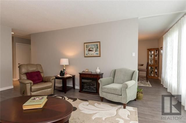 Photo 6: Photos: 56 Fontaine Crescent in Winnipeg: Windsor Park Residential for sale (2G)  : MLS®# 1826901