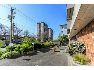 """Photo 2: 304 47 AGNES Street in New Westminster: Downtown NW Condo for sale in """"FRASER HOUSE"""" : MLS®# V1115941"""