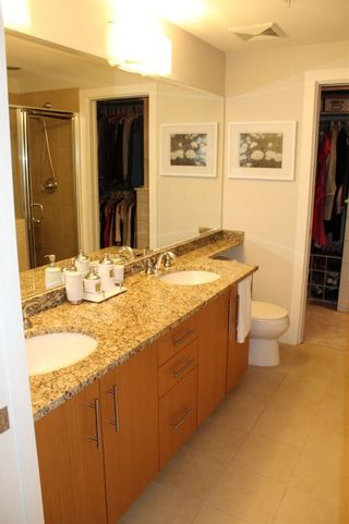 "Photo 13: 109 16477 64 Avenue in Surrey: Cloverdale BC Condo for sale in ""St. Andrews"" (Cloverdale)  : MLS®# R2526861"