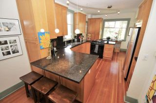 Photo 5: 221 ST. PATRICK Street in New Westminster: Queens Park House for sale : MLS®# R2359081